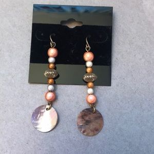 Jewelry - Coral shell earrings